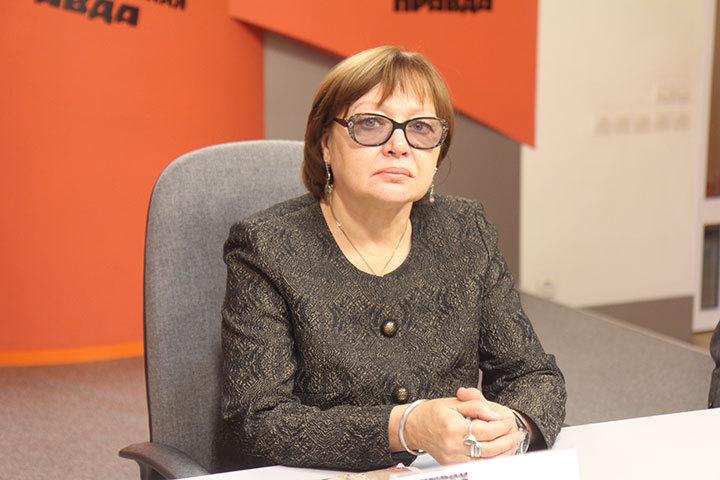 Ирина Коренева, заместитель директора по научно-фондовой работе Иркутского областного краеведческого музея, рассказала о передвижной выставке, посвященной Святителю.