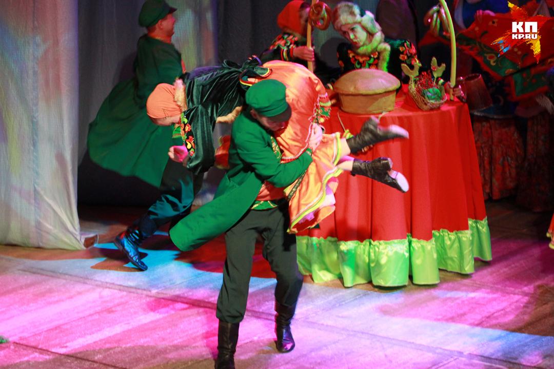 Кукольную любовную драму «Петрушка» представили барнаульцам