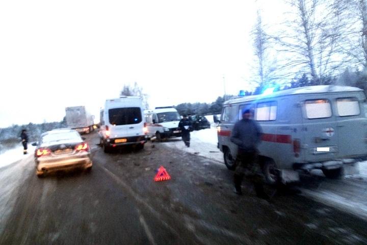 Натрассе Ижевск— Сарапул вДТП умер шофёр автомобиля