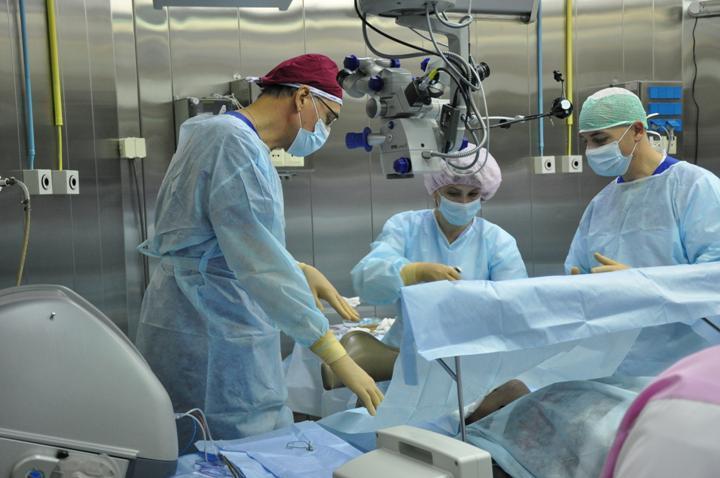 Медики изПензы провели неповторимую операцию поудалению большущей опухоли