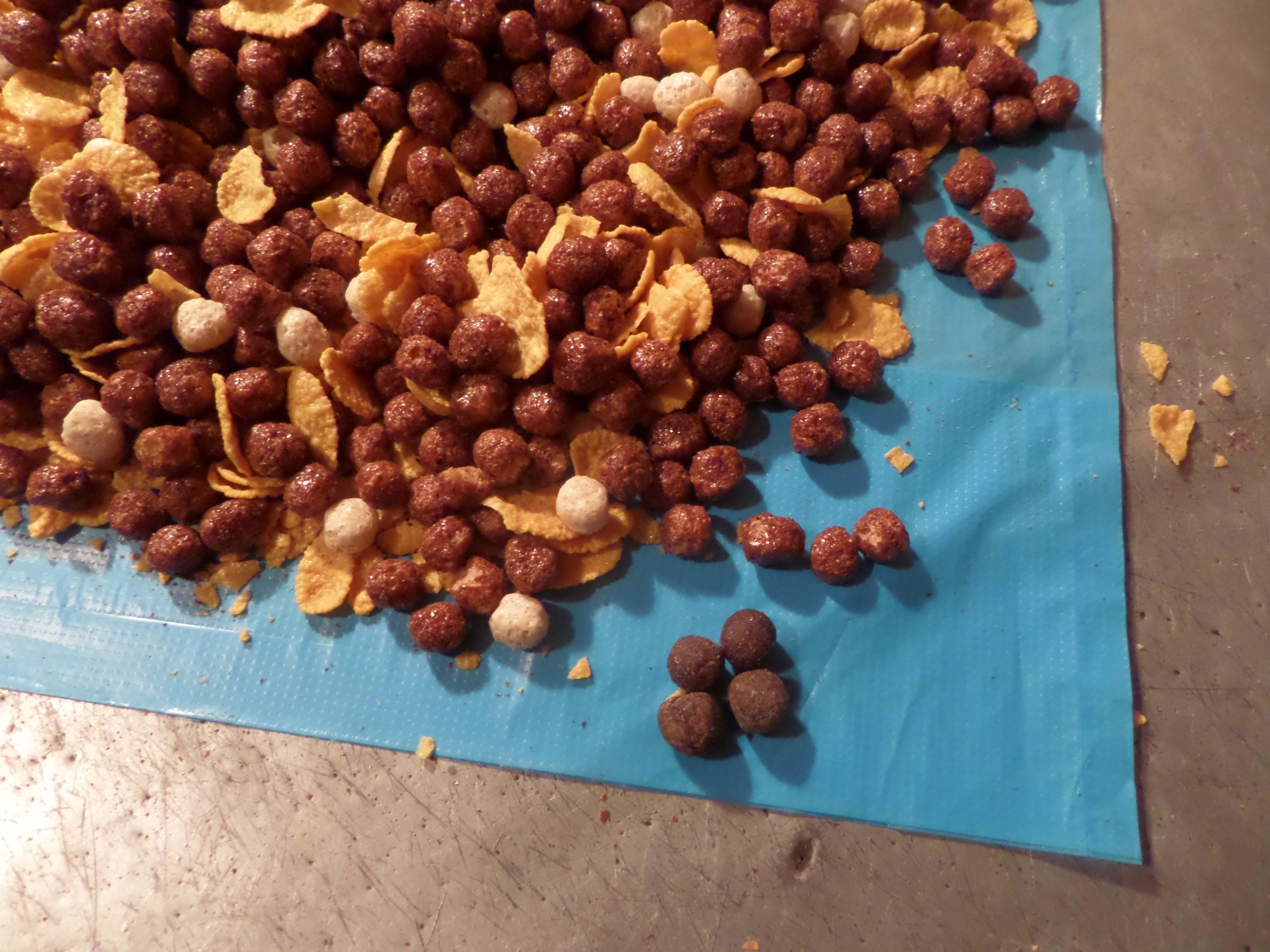 Заключенным пытались передать наркотики впачке кукурузных хлопьев