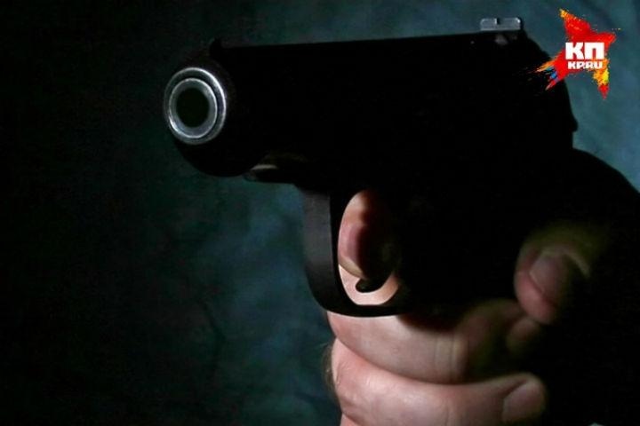 Вцентре Петербурга неизвестный мужчина прострелил прохожему ногу