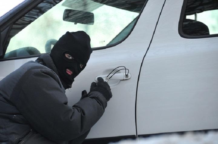 ВКазани устудента смогли угнать автомобиль даже без бензина