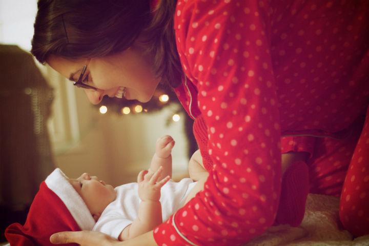 Чтобы почувствовать себя счастливой мамой современным женщинам все чаще требуется помощь психологов