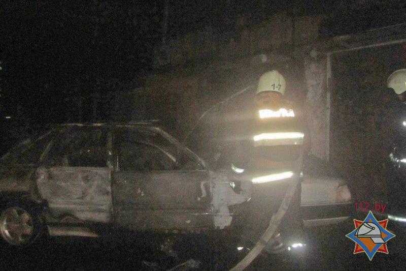 ВГродно мужчина иженщина вытаскивали изгаража машину и получили разной степени ожоги