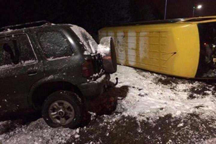 ВПолоцком районе маршрутка спассажирами врезалась в вседорожный автомобиль