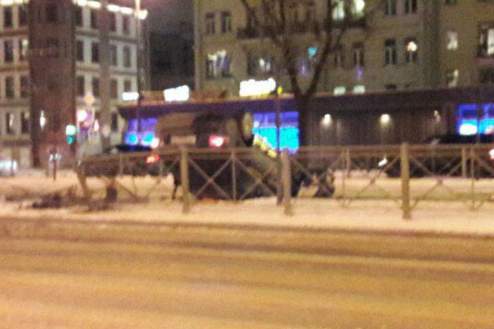 Свидетели: НаМосковском проспекте перевернулось такси