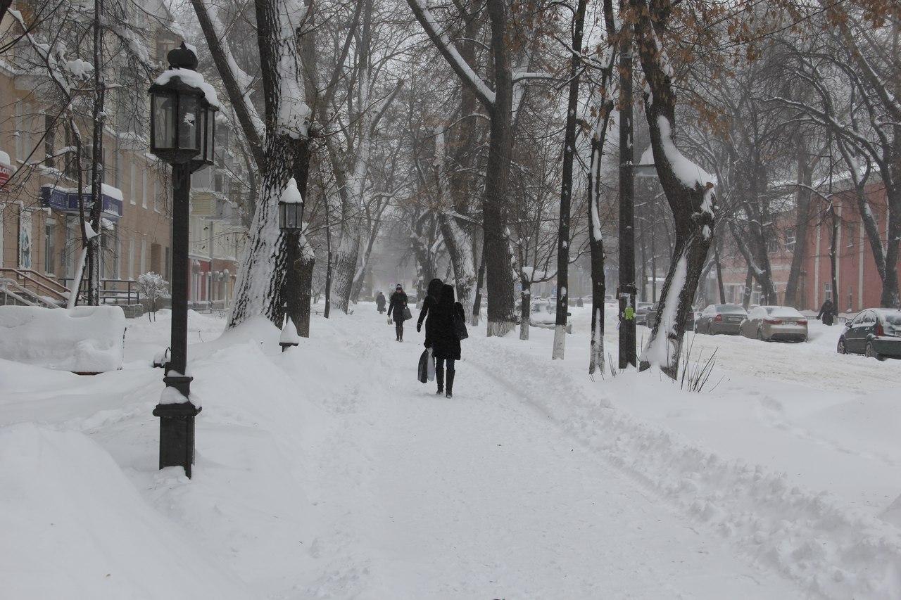 Улицы Воронежа отснега ночью чистили 196 единиц техники