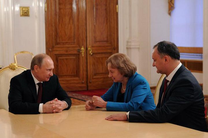 Игорь Додон намерен просить своего российского коллегу об амнистии молдавских граждан, нарушивших миграционный режим