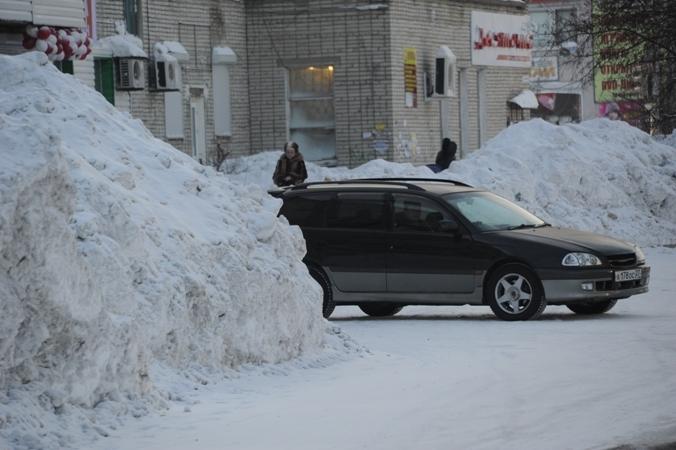 Мэр Томска попросил городских жителей посодействовать коммунальщикам суборкой снега