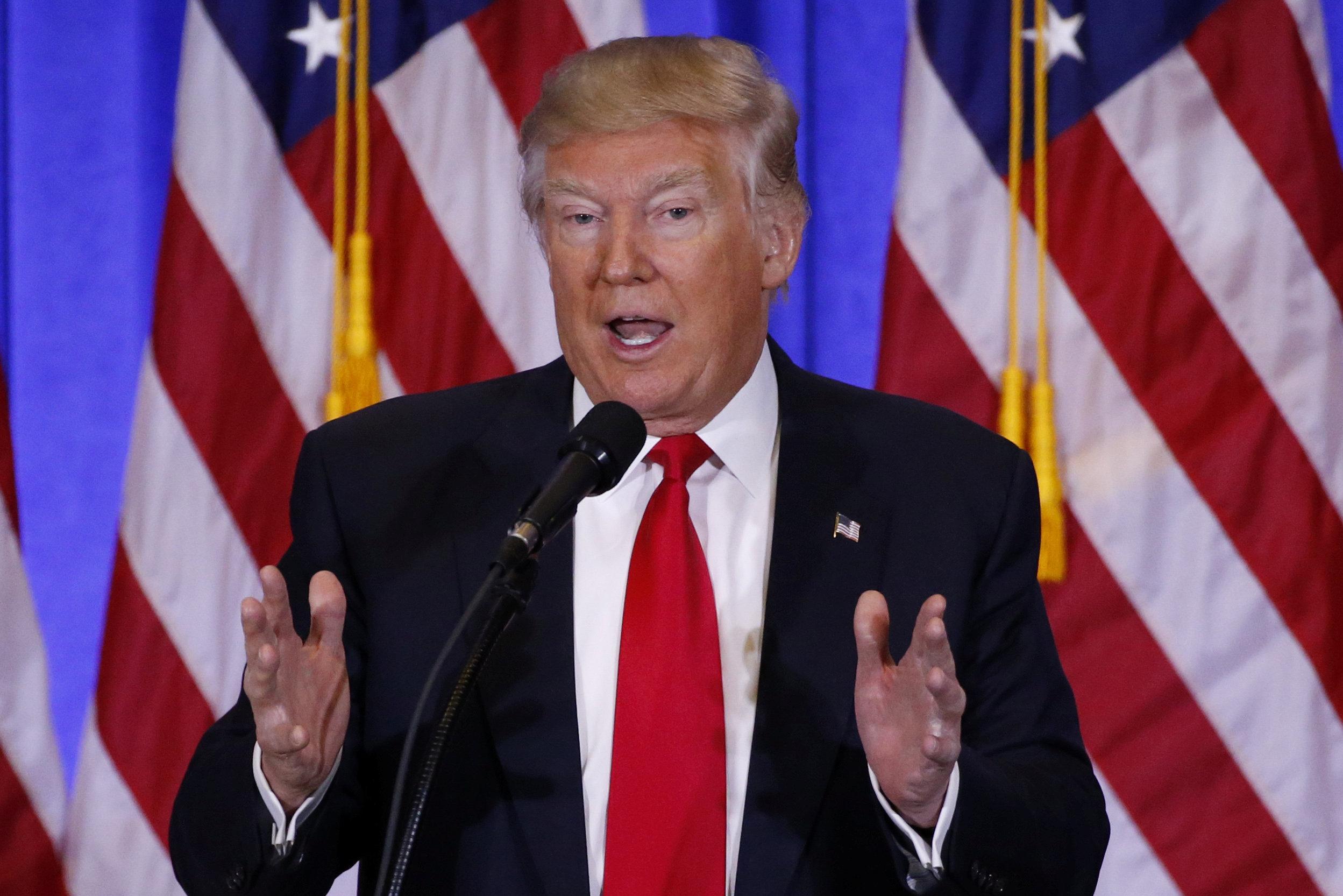 Дональд Трамп провёл свою первую пресс-конференцию.
