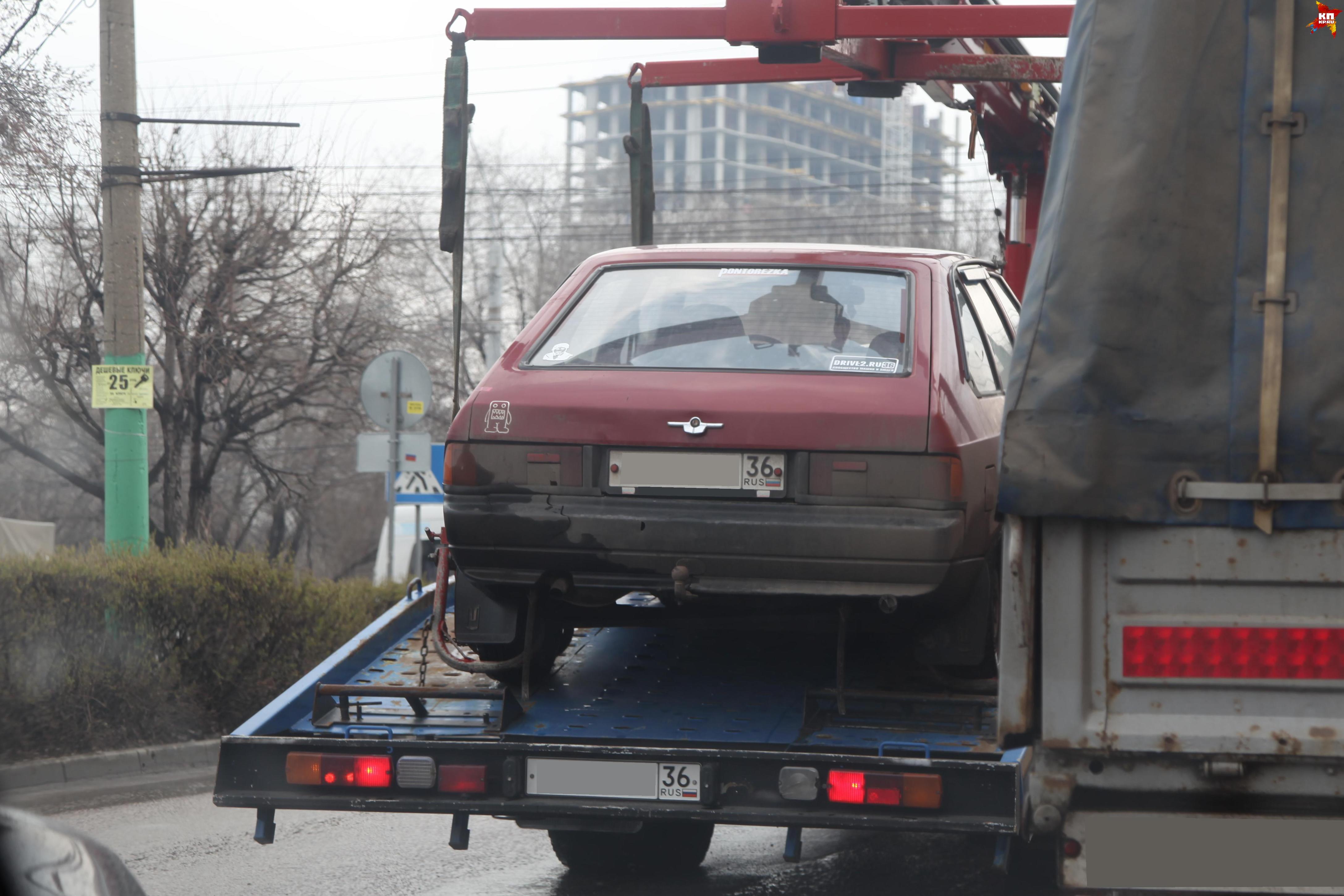 Губернатор поручил ускорить возвращение эвакуаторов наворонежские дороги