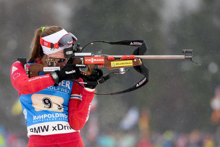Лаура Дальмайер выиграла индивидуальную гонку вАнтхольце, Домрачева финишировал 27-ой