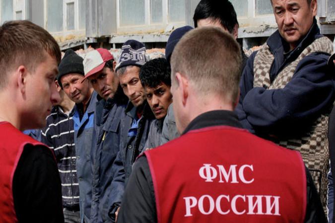 1500 нелегалов вышвырнули загод изПетербурга
