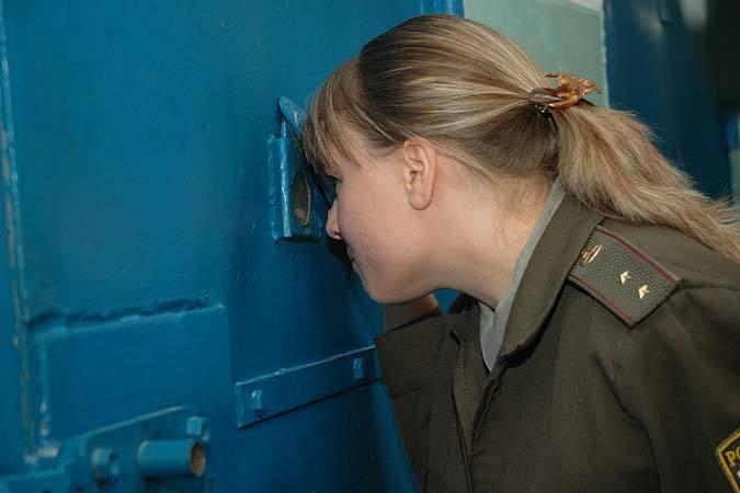 ВКраснодаре пьяная девушка изБелореченска украла одежду собственной соседки