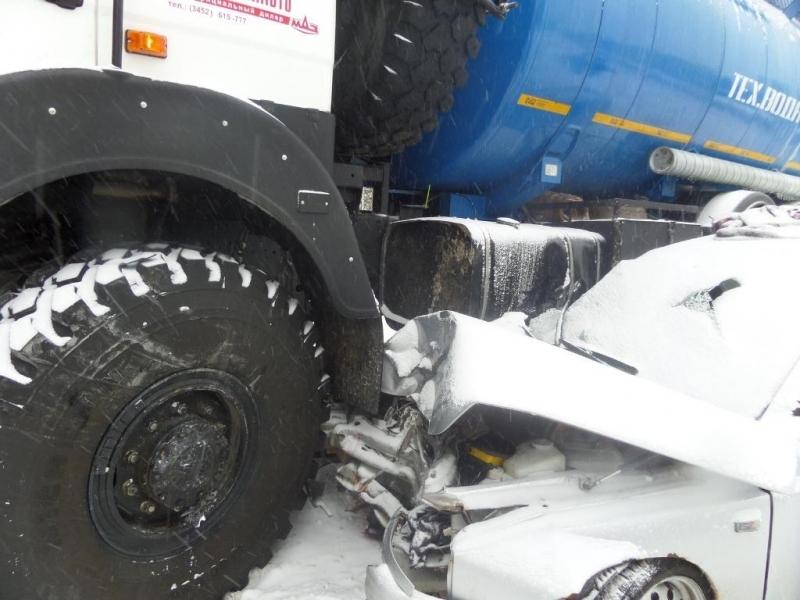 ВНижневартовском районе вДТП пострадали 4 человека