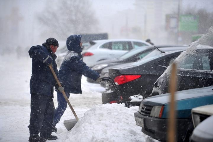 Пензенцев просят убрать машины навремя сул.Карла Маркса