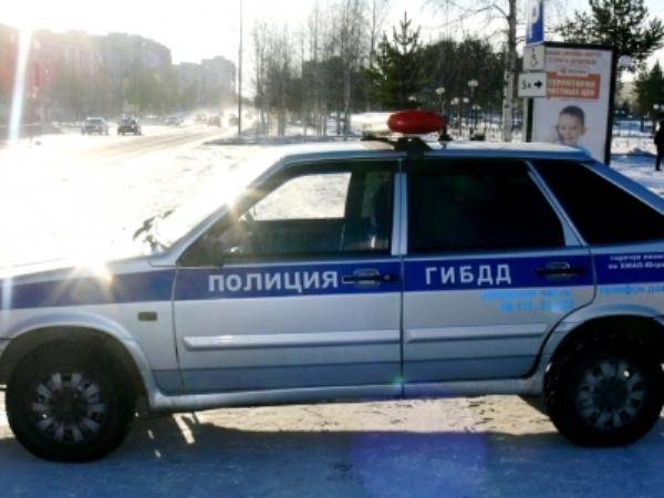 Шофёр легковушки умер вДТП с«Камазом» вНефтеюганском районе