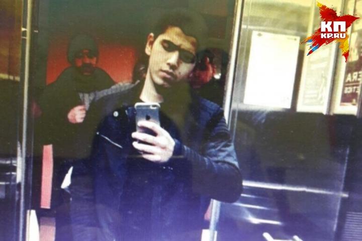 Полицейские задержали мигранта, который отбирал телефоны устудентов наВторчермете