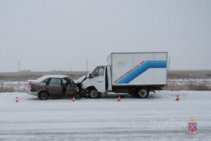 Натрассе под Волгоградом в трагедии умер шофёр «Лады»