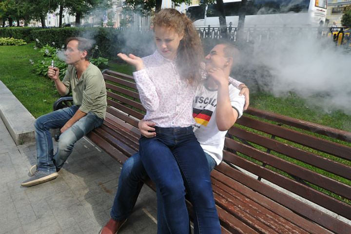 НаСтаврополье запретили реализацию электронных сигарет детям