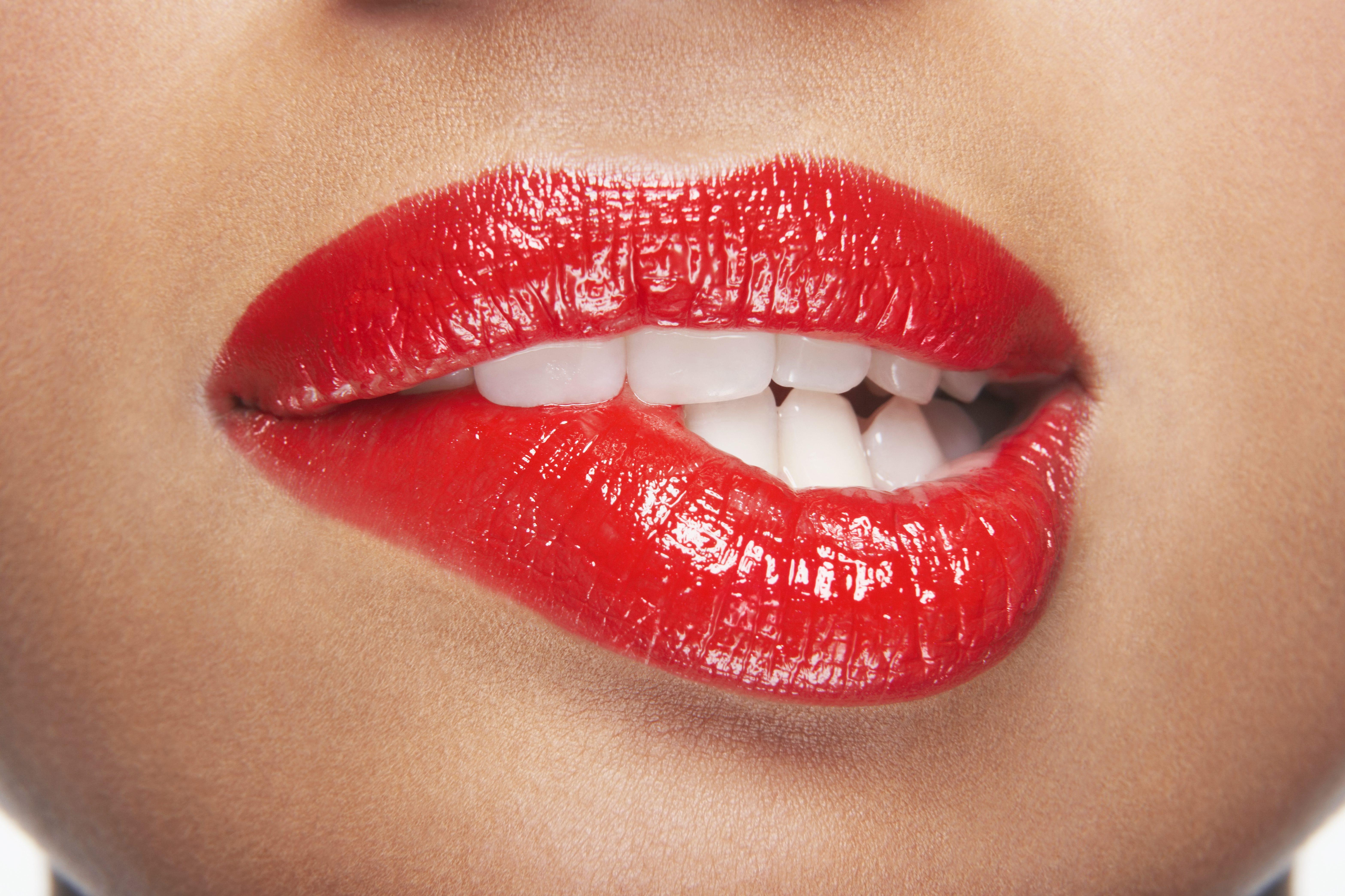 Названа самая привлекательная форма женских губ