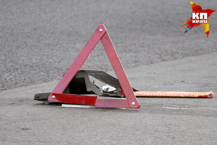 ВВолодарском районе Брянска столкнулись две иномарки: пострадал один изводителей