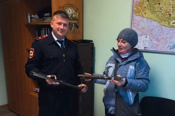 Петербурженка отыскала ружье впроцессе уборки вквартире