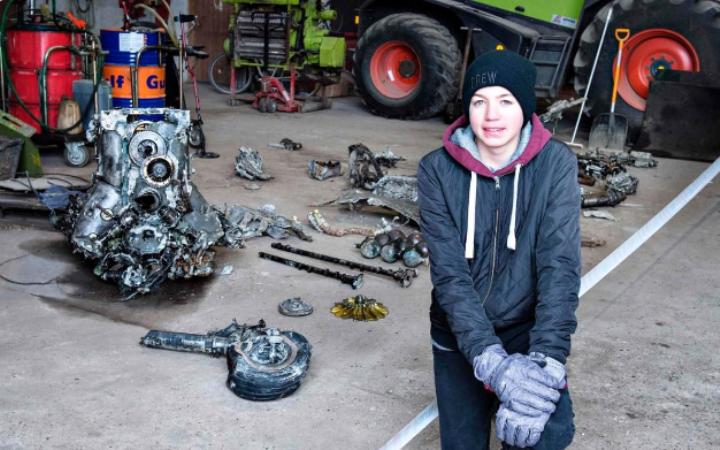 ВДании школьник отыскал  обломки германского  истребителя времен ВОВ состанками пилота