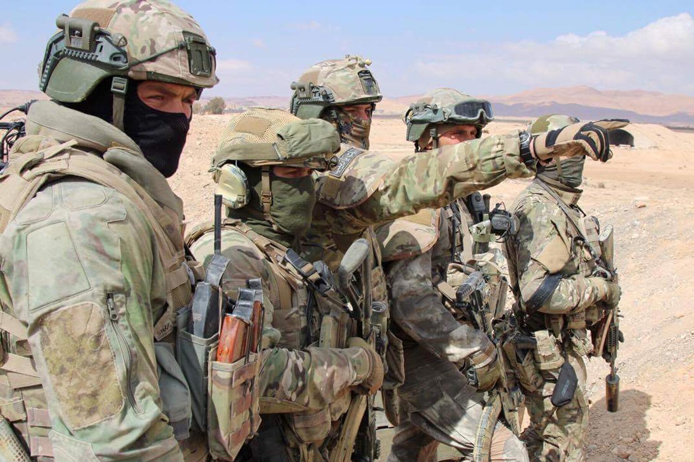 9997711 Бойцы военной полиции ВОСЕМЬ часов отражали атаку террористов