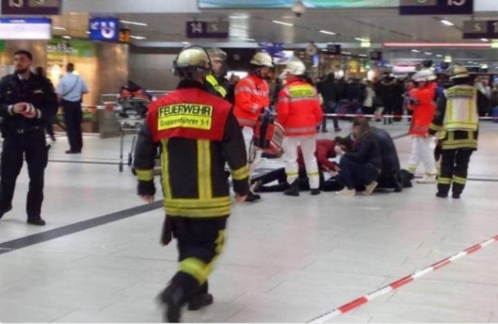 Новое нападение вДюссельдорфе: неизвестный смачете ранил прохожего