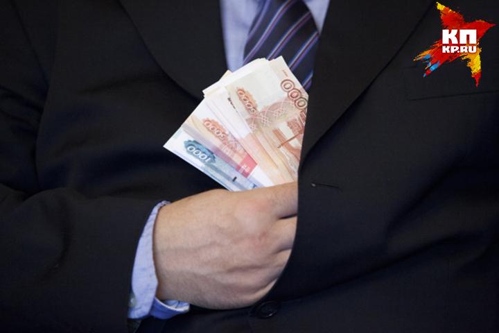 Гражданин столицы дал взятку пол млн. руб. полицейскому наСахалине