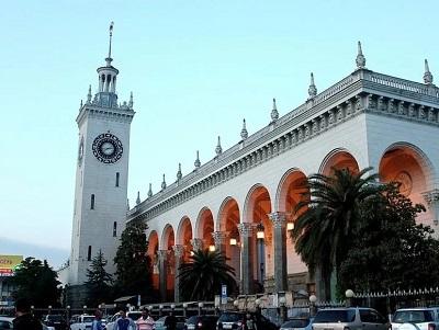 Насочинском вокзале появятся дополнительные знаки «Остановка запрещена»