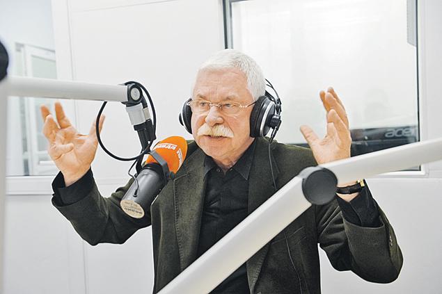 Александр Руцкой тогда думал, что решения  принимал Ельцин, а сейчас уверен,  что тем руководили «дирижеры». Фото: Владимир ВЕЛЕНГУРИН