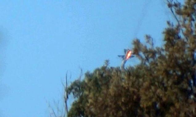 По предварительным данным, пилотам удалось катапультироваться Фото: Twitter.com
