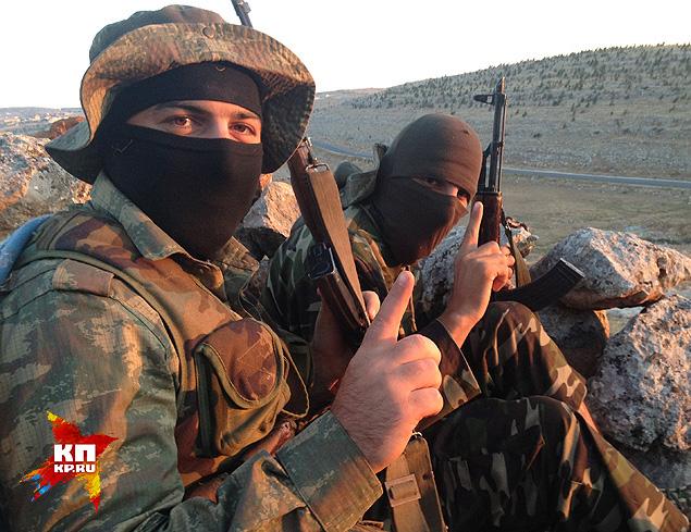 Основная масса будущих ополченцев ИГИЛ едет не воевать, а жить в «Исламском государстве» по шариату. Но на практике - их принуждают брать в руки оружие.