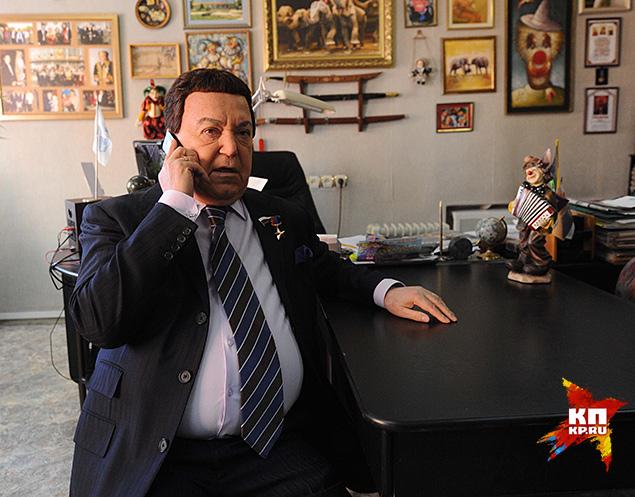 Певцу и политику звонят даже с космической орбиты Фото: Владимир ВЕЛЕНГУРИН