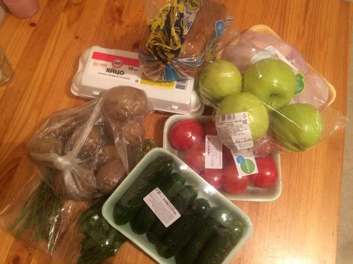 На 800 рублей можно собрать полноценный ужин для семьи из 4 человек. Фото: Александра КОЗЛОВА