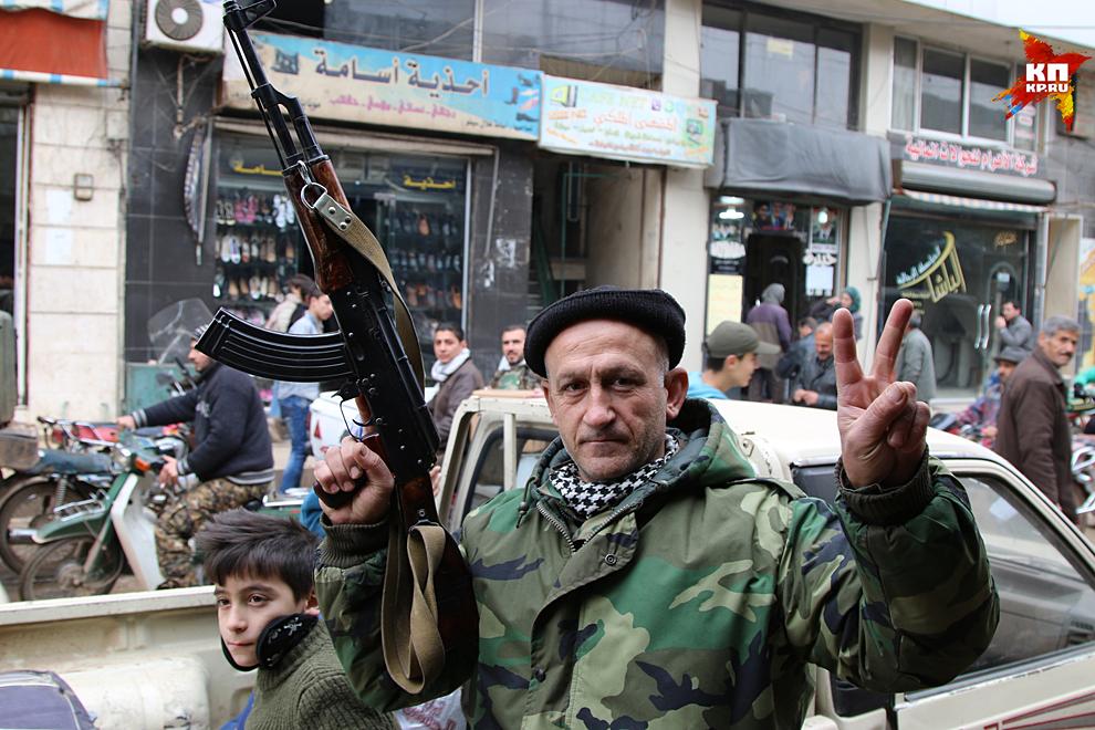 Нубель и примыкающая к ней Аз-Захра наверняка войдут в новейшую историю Сирии как пример отчаянного мужества на грани самопожертвования Фото: Александр КОЦ, Дмитрий СТЕШИН