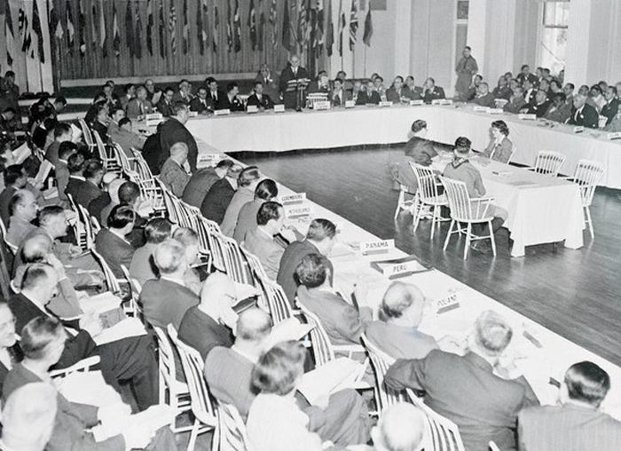 В июле 1944 г в США прошла знаменитая Бреттон-Вудская валютно-финансовая Конференция ООН