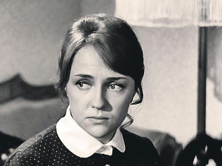 """Первой женой актёра стала Екатерина Градова, известная зрителю ролью """"радистки Кэт"""". Фото: kino-teatr.ru"""