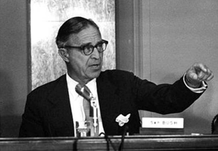 Что касается Прескотта Буша, он был фигурой далеко не первого ряда в контактах с нацистами во время войны, потому и угодил под суд