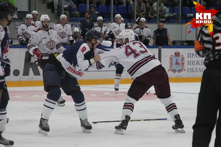 «Торпедо» выиграло 1-ый матч вновом сезоне КХЛ