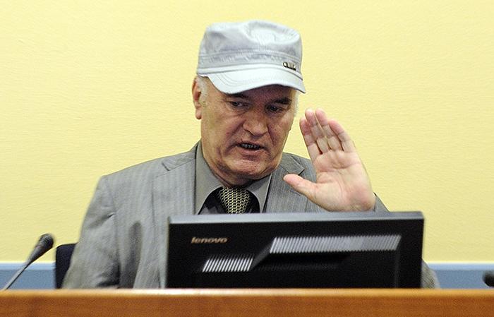 Ратко Младич умирает сейчас в ожидании приговора в голландской тюрьме Фото: EASTNEWS/AFP