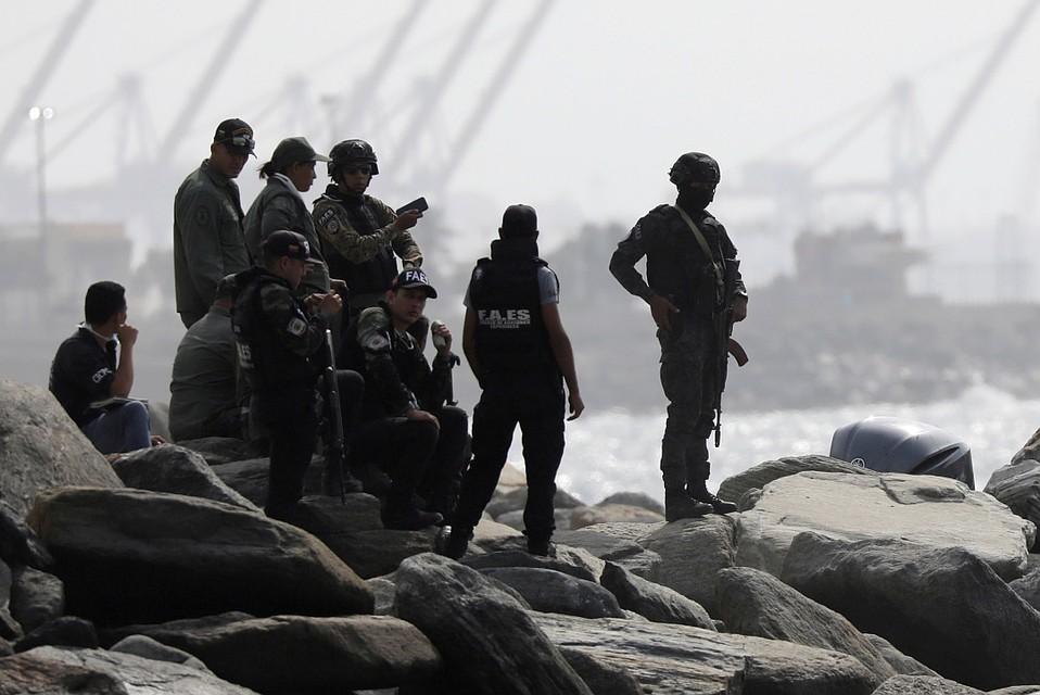 СМИ анализируют причины неудачной высадки наемников. Фото: REUTERS