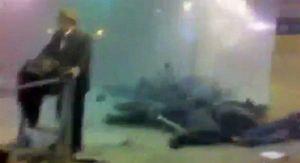 Это шокирующее фото сделано очевидцами ЧП.