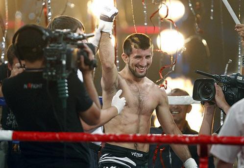 Расул Мирзаев титул чемпиона мира по смешанным боевым искусствам Mixed Martial Arts в весовой категории до 65 килограммов.