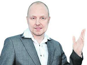 Звезда «За стеклом» Денис Федянин уверяет, что «серьезно занимается шоу-бизнесом».