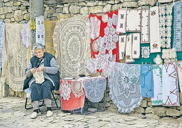 В деревнях остались одни старики - молодежь уехала в Европу искать лучшей жизни. Фото: GLOBAL LOOK PRESS
