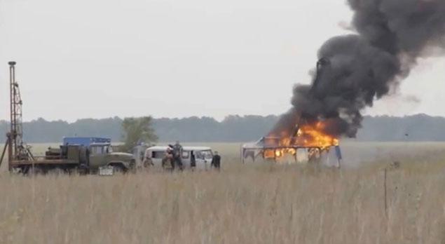 Погромщики сожгли две буровые установки стоимостью 30 млн. руб. каждая.